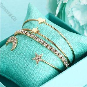 Jewelry - 4 piece set! Popular trendy bracelets